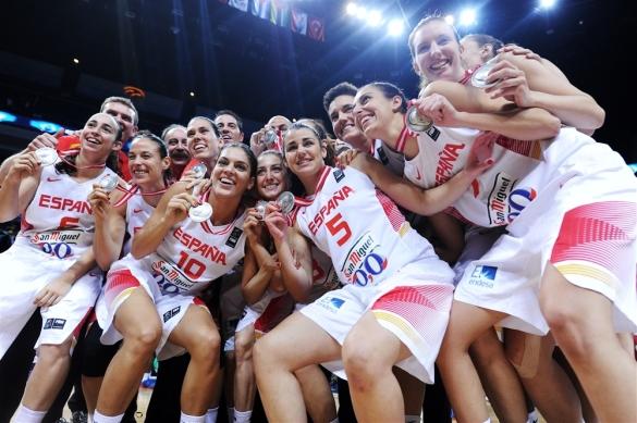 España celebra la medalla de plata del Mundial de Turquía