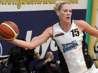 Lauren Jackson jugando con Canberra Capitals
