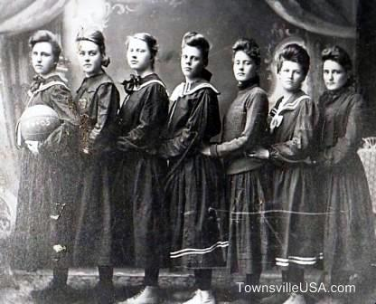 Equipo de High School en Minnesota en 1904.