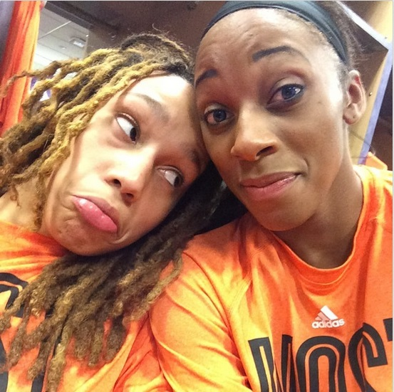 Brittney Griner y Glory Johnson enfrentadas