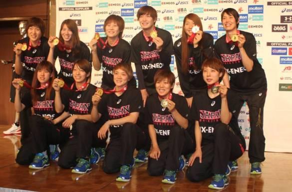 Japón celebra su medalla de oro en el FIBA Asia