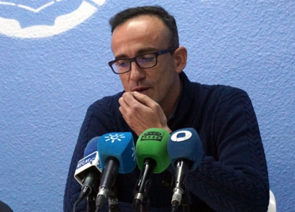Gabriel Carrasco, entrenador de Conquero Huelva Wagen, en rueda de prensa