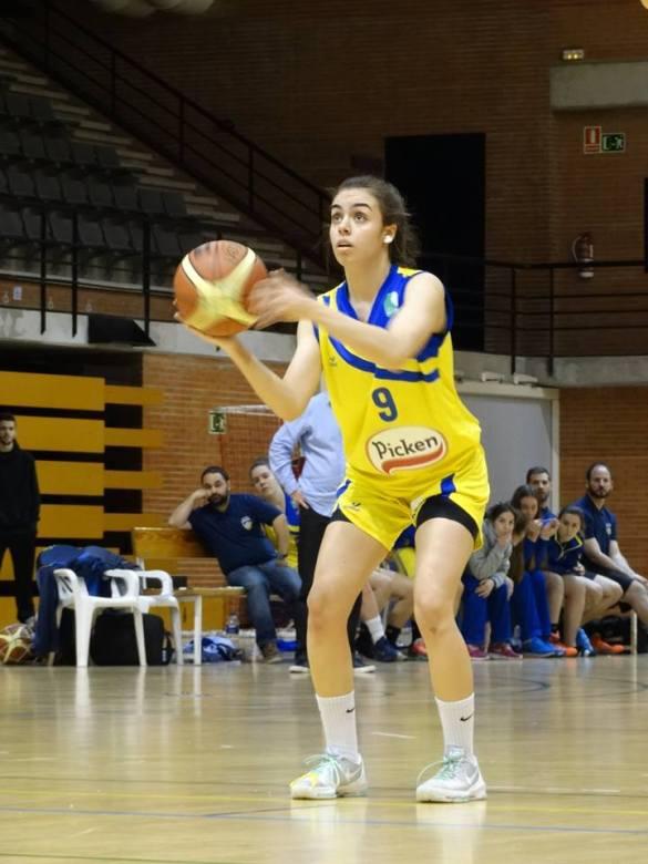 Liga Femenina 2. Picken Claret contra Distrito Olímpico