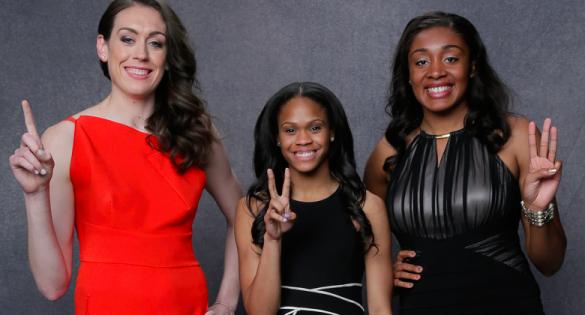 Draft de la WNBA. De izquierda a derecha: Breanna Stewart, Moriah Jefferson y Morgan Tuck