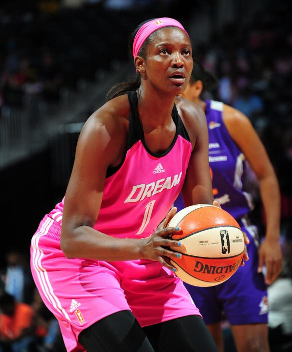 DeLisha Milton-Jones con las Atlanta Dream
