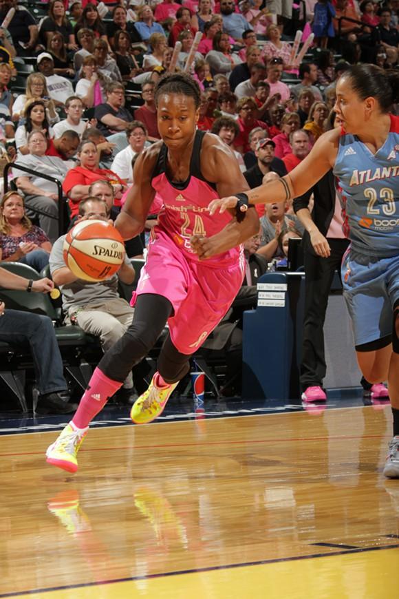 Tamika Catchings supera la barrera de los 7.000 puntos en la WNBA