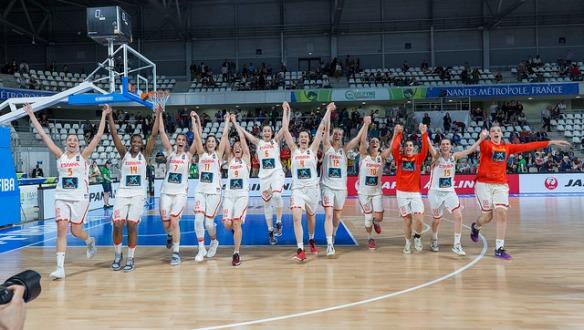 Celebración de la selección femenina tras obtener el pase a Río