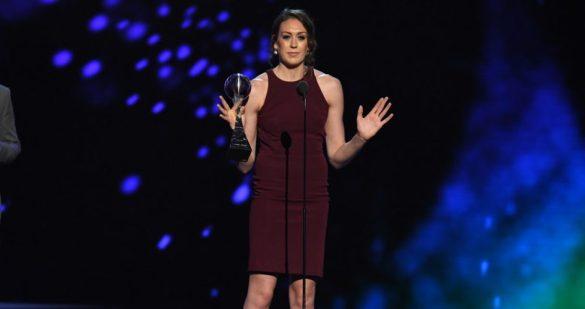 Breanna Stewart dando su discurso en los premios ESPY