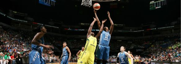 Rebekkah Brunson es la máxima reboteadora ofensiva de toda la historia de la WNBA