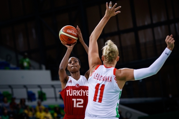 Lara Sanders de nuevo pieza clave de Turquía ante Bielorrusia