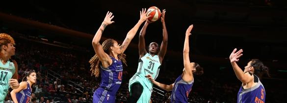 Tina Charles de New York Liberty supera los 4.000 puntos anotados en la WNBA