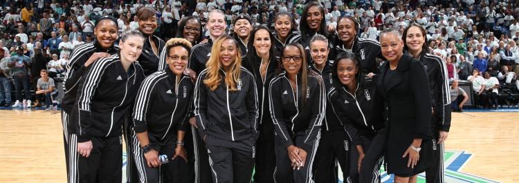 Las 20 mejores jugadoras de los 20 años de la WNBA hacen sus predicciones de las WNBA Finals