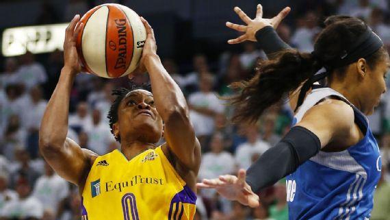 Los Ángeles Sparks vencen a Minnesota Lynx en el primer partido de las WNBA Finals