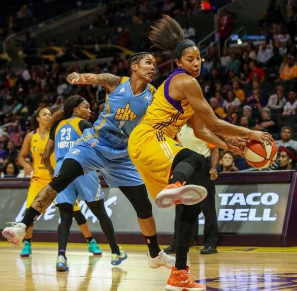 WNBA Playoffs: Chicago Sky fuerza el cuarto partido ante Los Ángeles Sparks