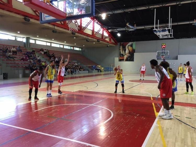 Liga Femenina: CREF ¡Hola! contra Spar Gran Canaria