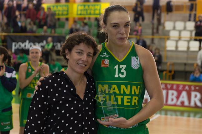 Luci Pascua se convierte en la máxima reboteadora de Liga Femenina