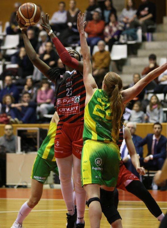 Liga Femenina. Spar Citylift Girona se lleva la victoria frente a Al-Qázeres Extremadura