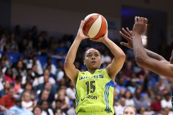 Allisha Gray de Dallas Wings mejor novata del año de la WNBA.
