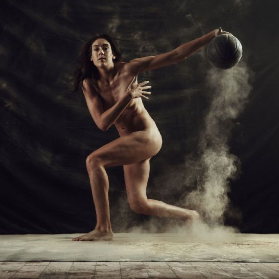 Breanna Stewart posando para el ESPN The Magazine's Body Issue 2018