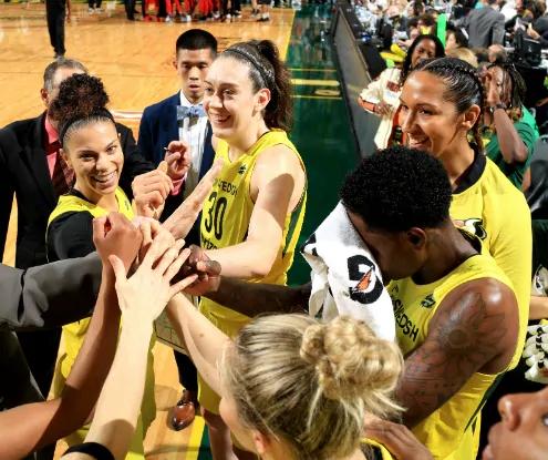 Seattle Storm derrota a Washington Mystics y se sitúa a una victoria de ganar la WNBA
