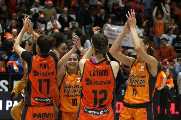 Liga DIA. Jornada 10: Valencia Basket celebra la victoria frente a Quesos El Pastor