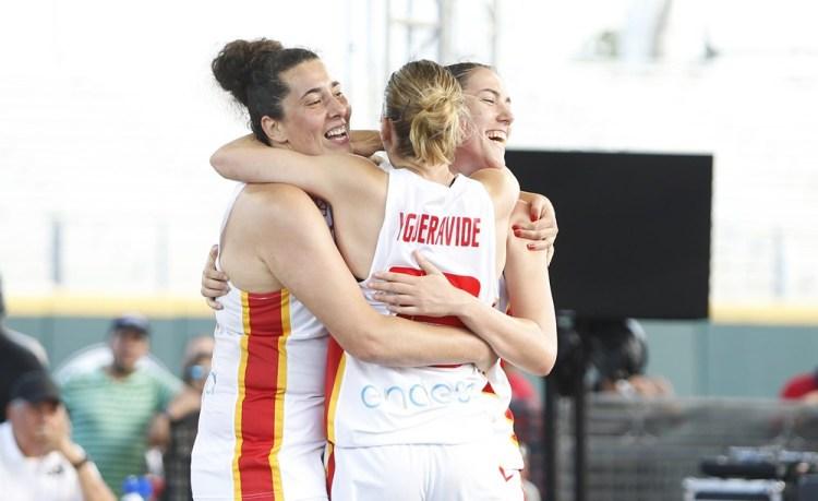 La selección española formada por Sandra Ygueravide, Vega Gimeno, Aitana Cuevas y Paula Palomares consigue la clasificación para la Copa del Mundo de 3x3