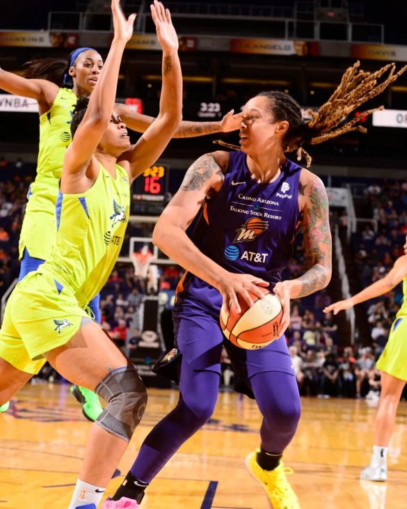 Brittney Griner sancionada tras su pelea frente a Dallas Wings