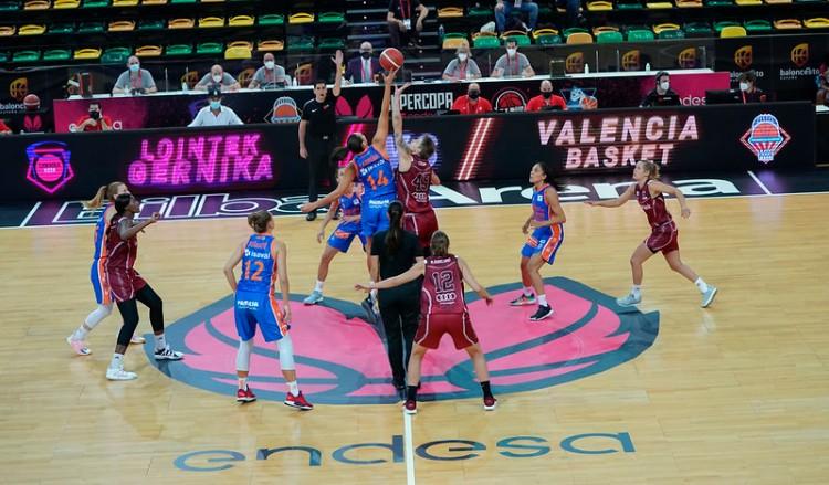 Supercopa LF Endesa. Lointek Gerninka Bizkaia contra Valencia Basket