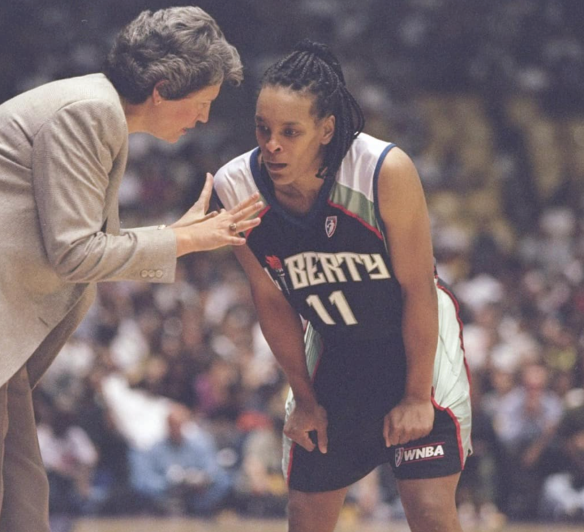 Nancy Darsch junto a Teresa Weatherspoon en su etapa en New York Liberty