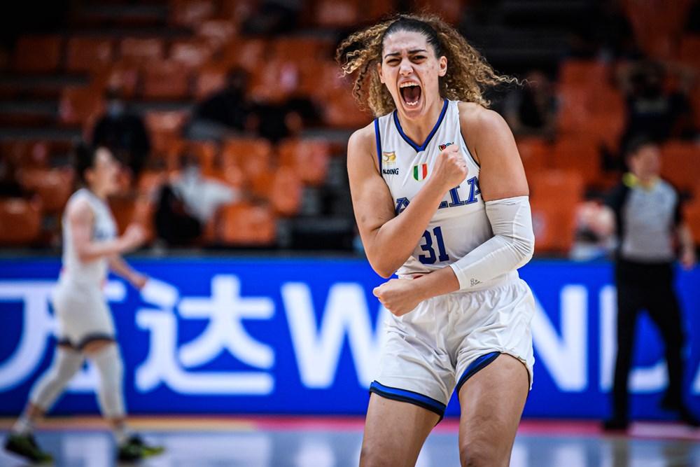 Italia celebra el pase a las eliminatorias del Eurobasket de España y Francia