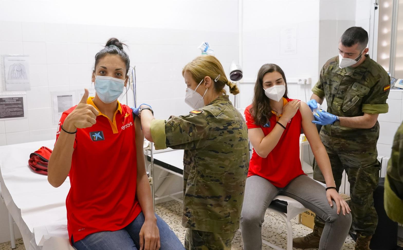 La selección femenina se vacuna contra el coronavirus