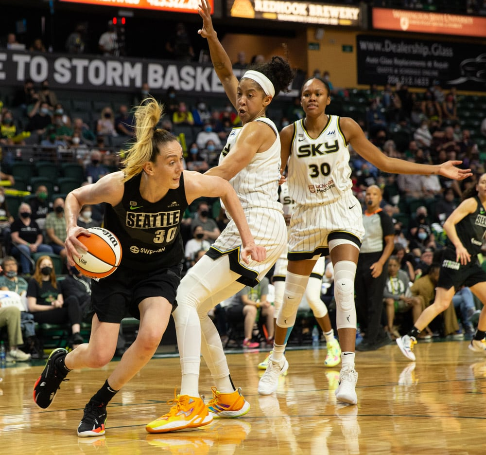 Breanna Stewart jugando con Seattle Storm